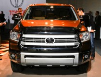 2014-Toyota-Tundra-1794-Edition-front-grille