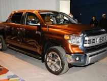 2014-Toyota-Tundra-1794-Edition-front-three-quarters