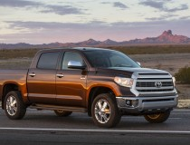 2014-Toyota-Tundra-front-three-quarters_brown