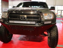 Toyota-Tundra-Pre-Runner-front-end